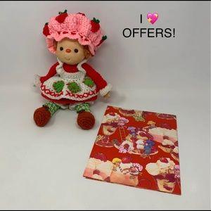 "14"" vintage strawberry 🍓 shortcake doll & paper"